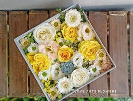 Tạo bất ngờ cho nàng với hộp hoa tình yêu độc đáo