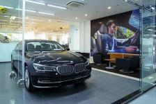 Xế sang BMW giảm giá gần 300 triệu đồng