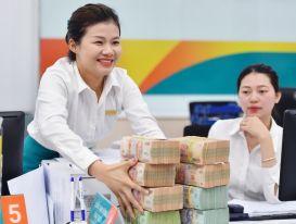 Nhân viên ngân hàng thu nhập bình quân hơn 40 triệu đồng/tháng
