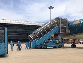 Dừng 2 đường bay chở khách tới Hà Nội, hạn chế tối đa tới TPHCM