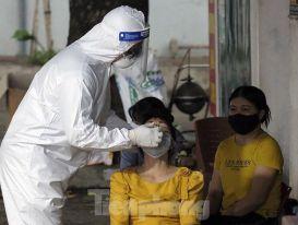 Hà Nội thêm 24 ca dương tính SARS-CoV-2, có 17 bệnh nhân, nhân viên y tế Bệnh viện Phổi