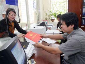 TPHCM ủy quyền 22 quận, huyện cấp giấy chứng nhận cho người dân