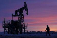 Giá dầu sụt mạnh vì khủng hoảng Covid Ấn Độ leo thang