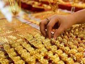 Giá vàng 15/6/2021: Vàng thế giới 'đổ đèo' tụt sâu