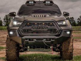 Cận cảnh Toyota Hilux cơ bắp, hầm hố với gói phụ kiện thân rộng
